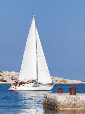 Adesivo Áspero, velejando, iate, seu, maneira, saída, porto, passando, dois, bollards, foco