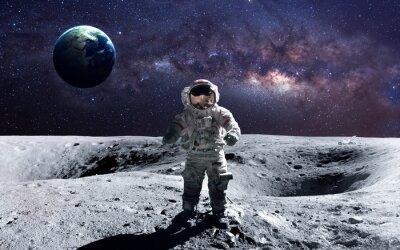 Adesivo Astronauta bravo no spacewalk na lua. Esta imagem elementos fornecidos pela NASA.