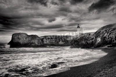 Adesivo B & W de farol na costa de Newport, Oregon.