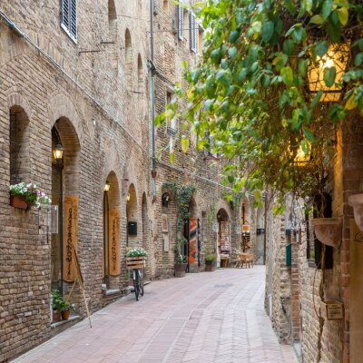 Adesivo Beco na cidade velha Toscana Itália