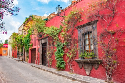 Adesivo Belas ruas e fachadas coloridas de San Miguel de Allende em Guanajuato, México
