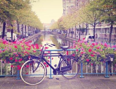 Adesivo bicicleta em uma ponte