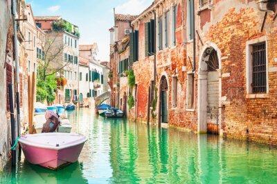 Adesivo Canal em Veneza, Itália.