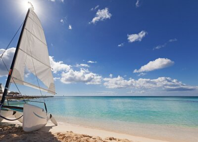 Adesivo Catamarã na praia