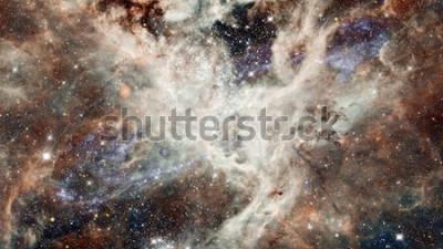 Adesivo Céu estrelado da noite da nebulosa nas cores. Espaço exterior multicolorido. Espaço profundo muitos anos-luz longe do planeta Terra. Elementos da imagem fornecida pela NASA