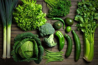 Adesivo Composição de légumes verts uniquement sur une mesa en bois