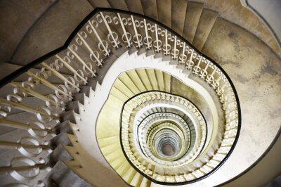 Adesivo Escadaria em espiral no interior de um edifício alto