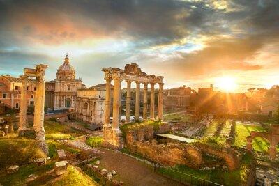 Adesivo Fórum Romano. Ruínas do fórum romano em Roma, Italy durante o nascer do sol.