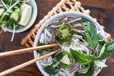 Adesivo foto sobrecarga de comer carne pho vietnamita