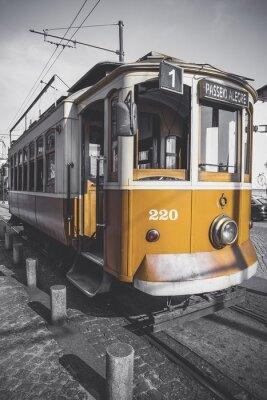 Adesivo Imagem desaturated do trole do Porto exceto para seu amarelo particular.