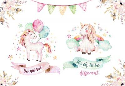 Adesivo Isolado bonito clipart de unicórnio de aquarela. Ilustração dos unicórnios de berçário. Cartaz princesa do unicórnio do arco-íris. Cavalo de desenhos animados cor-de-rosa na moda.