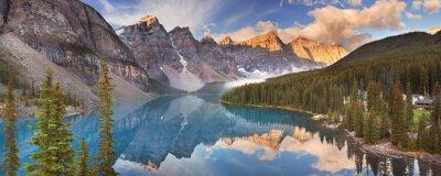 Adesivo Lago Moraine ao nascer do sol, parque nacional de Banff, Canadá