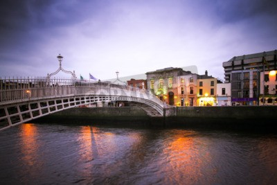 Adesivo Landmark Ha'penny Ponte sobre o rio Liffey, em Dublin
