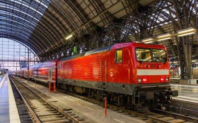 Adesivo Locomotiva elétrica com o trem regional em Frankfurt, Alemanha