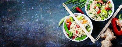Adesivo Macarrões chineses com vegetais e camarões