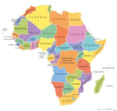 Adesivo Mapa político dos estados de África único. Cada país com sua própria área de cores. Com as beiras nacionais no fundo branco. Continente incluindo Madagascar e nações insulares. Rotulagem em inglês.