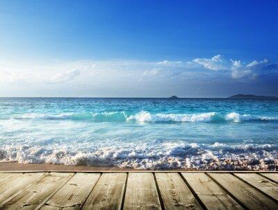 Adesivo mar e plataforma de madeira