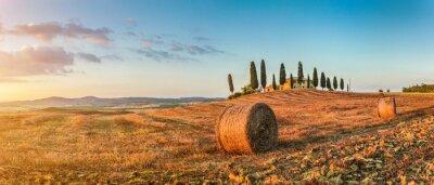 Adesivo Paisagem de Toscânia com casa de fazenda, pôr do sol, Val d'Orcia, Itália