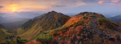 Adesivo Panorama de montanhas ao amanhecer
