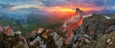 Adesivo Panorama dramático do por do sol em Dolomitas Montanha do cume do pico NUV