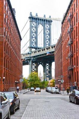 Adesivo Ponte de Manhattan vista entre edifícios em New York City