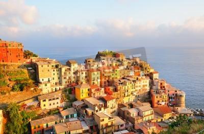 Adesivo Por do sol pitoresca vila colorida em Manarola (Cinque Terre, Itália)
