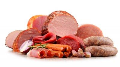 Adesivo Produtos de carne incluindo presunto e salsichas isolado no branco