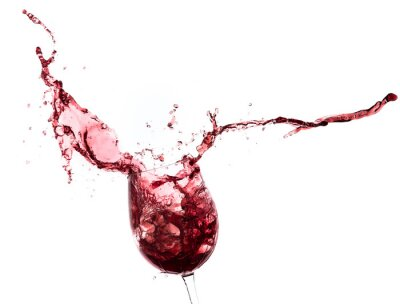 Adesivo salpicos vinho tinto fora de um vidro, isolado no branco