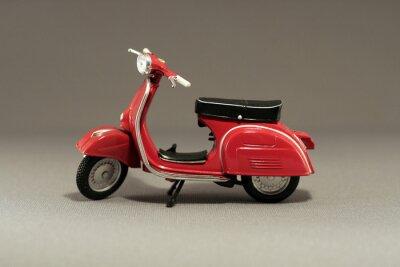 Adesivo Scooter Antiguo rojo en gris aislado