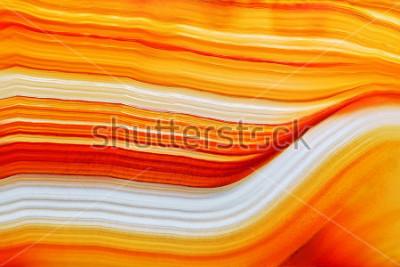 Adesivo Seção transversal da superfície de cristal de ágata natural translúcida, laranja abstrata estrutura fatia pedra mineral macro closeup