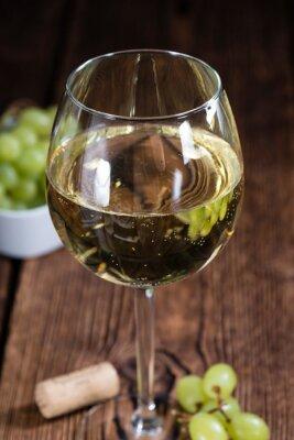 Adesivo Velha mesa de madeira com vinho branco