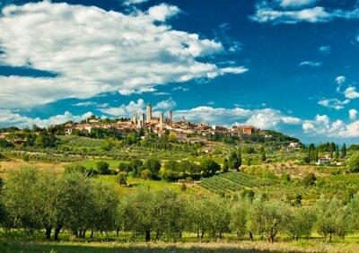 Adesivo Vista panorâmico em San Gimignano com vinhas, uma das mais bonitas aldeias da Itália