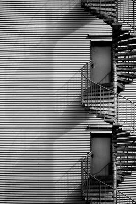 Adesivo Wendeltreppe / Eine und Wendeltreppe Feuerleiter eines Industriegebäudes