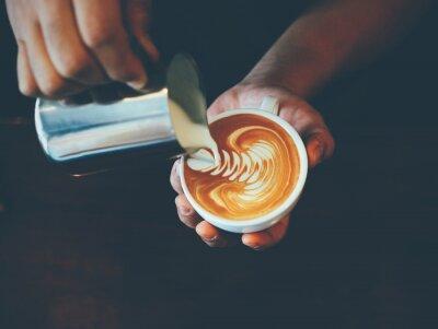 Adesivo xícara de café latte art em café