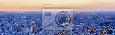Fotomural A torre Eiffel é o monumento mais visitado da França.