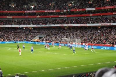 Fotomural Arsenal vencer por 1-0 contra a rainha Park Rangers