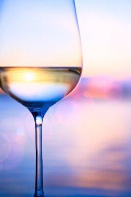 Fotomural Arte de vinho branco no fundo do mar do verão