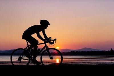 Fotomural As pessoas dão um ciclo na praia