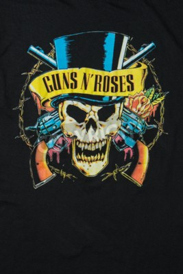 Fotomural AVEIRO, PORTUGAL - 20 DE JULHO DE 2016: Guns n 'Roses comercializa a ilustração do t-shirt. Guns N 'Roses é das bandas mais vendidas do mundo de todos os tempos.