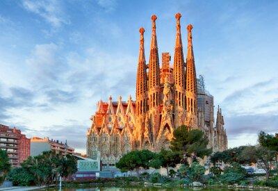 Fotomural BARCELONA, ESPANHA - FEVEREIRO 10: La Sagrada Familia - a impressão