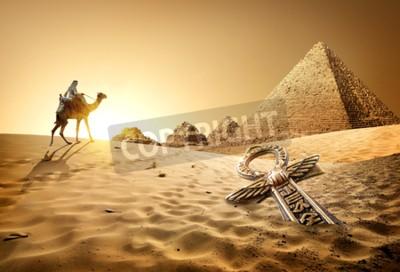 Fotomural Beduíno, camelo, piramides, ankh, deserto