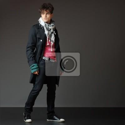 Fotomural belo e jovem modelo posando masculino - estúdio filmagem - copie  o espaço a0874f20ff6