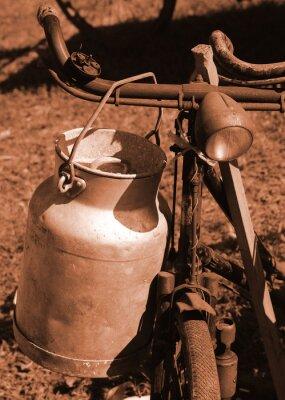 Fotomural Bicicleta do século passado utilizado para transportar o leite