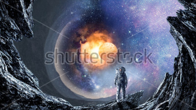 Fotomural Buraco no espaço e astronauta. Mídia mista