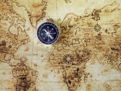 Fotomural Bússola no mapa do vintage. Estilo retrô.
