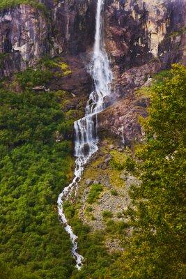 Fotomural Cachoeira perto da geleira Briksdal - Noruega