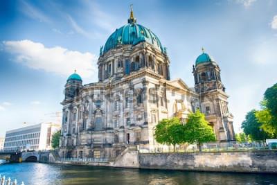 Fotomural Catedral de Berlim em Berlim em lindo dia de verão