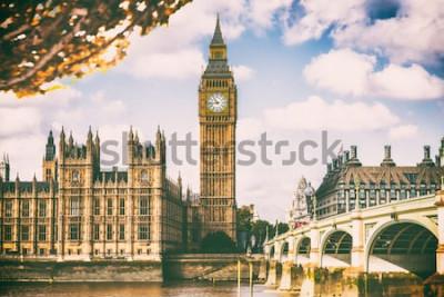 Fotomural Cidade de Londres na folhagem de outono - fundo do ícone do curso do destino de Autum Europa.