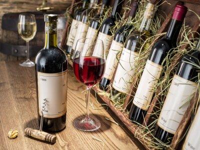 Fotomural Copo de vinho e garrafa de vinho.