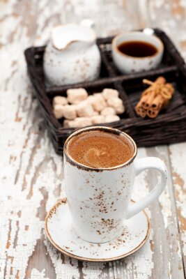 Fotomural Copo do café do cappuccino em um fundo claro.